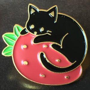 Strawberry Cat enamel & metal pin (silver or gold)